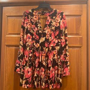Free People Dresses - Gorgeous Free People floral mini dress